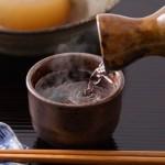 熱燗(あつかん)にして美味しい日本酒のおすすめは?つまみはこれだ!